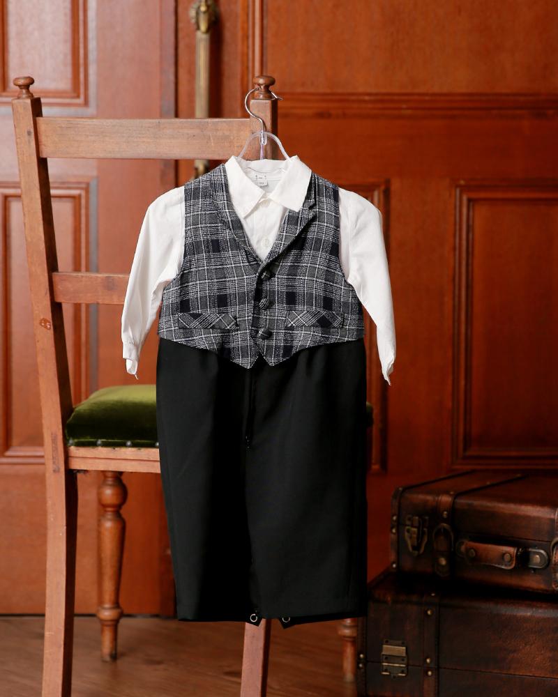 1-01tBK-U 黒ロンパース型・白シャツ